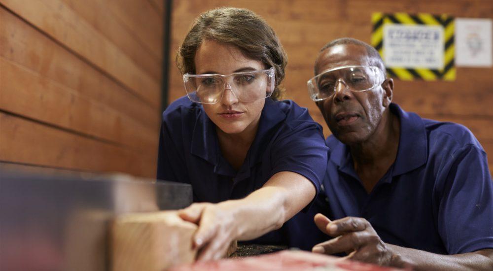 website photodune-20642566-carpenter-training-youth empower 2019 (2592 x 1728)